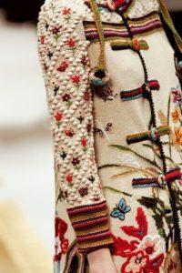 cутажная вышивка на одежде