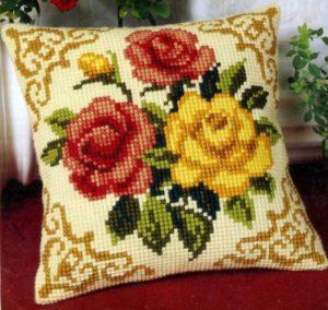 Вышивка крестом на подушками 148